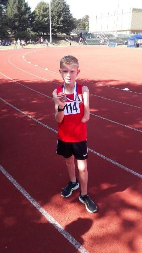 Year 7 student, Ollie Scott, 1500 metres at Erith
